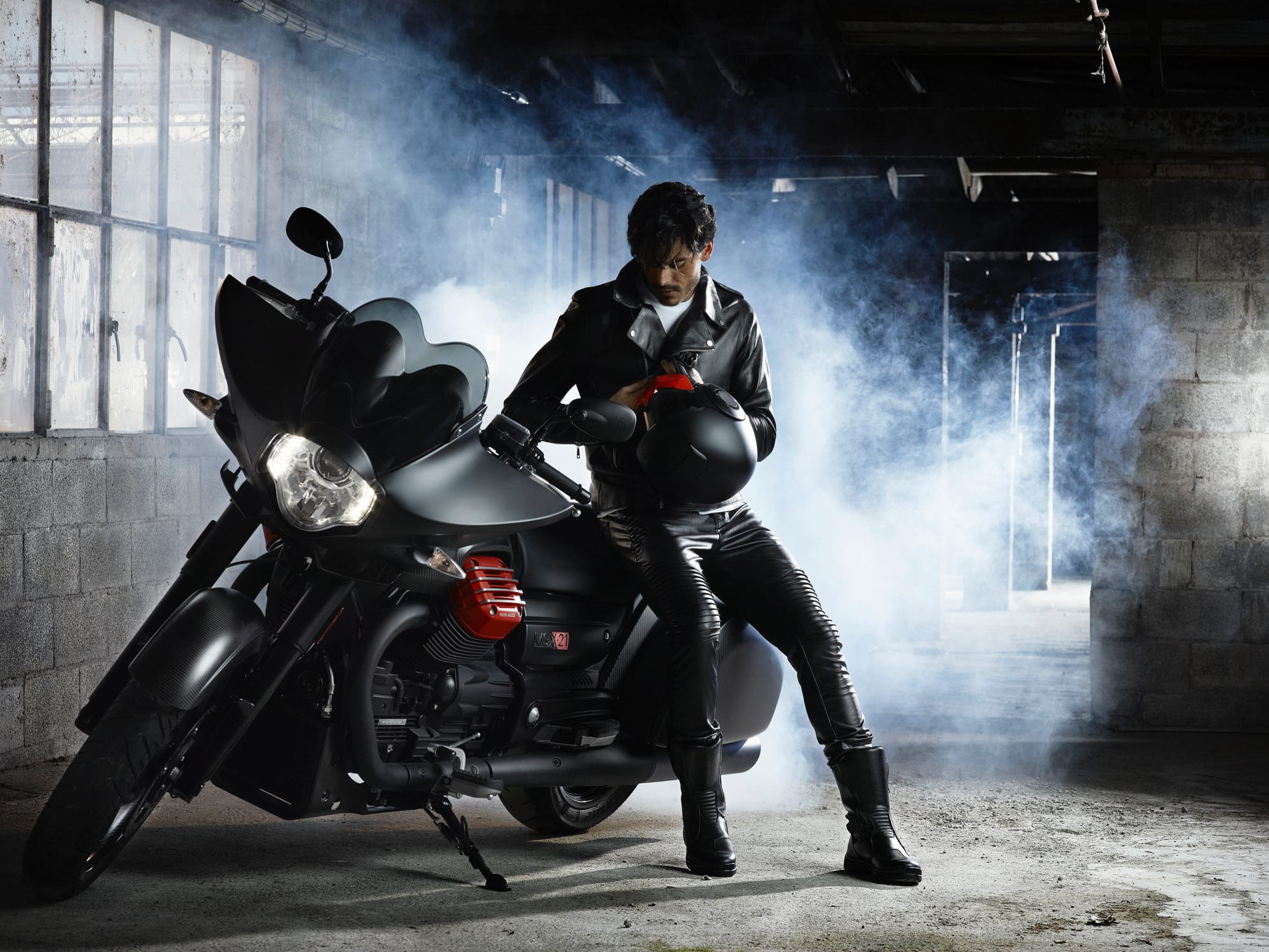 "219db829365f THE LEATHER ""CHIODO"" JACKET TURNS 90: A TIMELESS FASHION ICON FOR BIKERS"